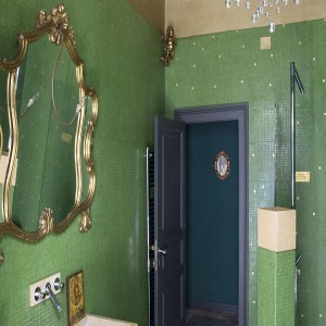 landscape-1468019003-green-bathroom-sicily