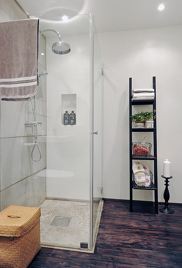spacious-apartment-shower